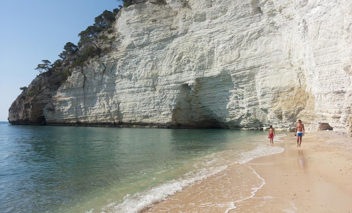 Appartamenti vacanze sul mare a vieste cala azzurra nel for Vacanze a barcellona sul mare