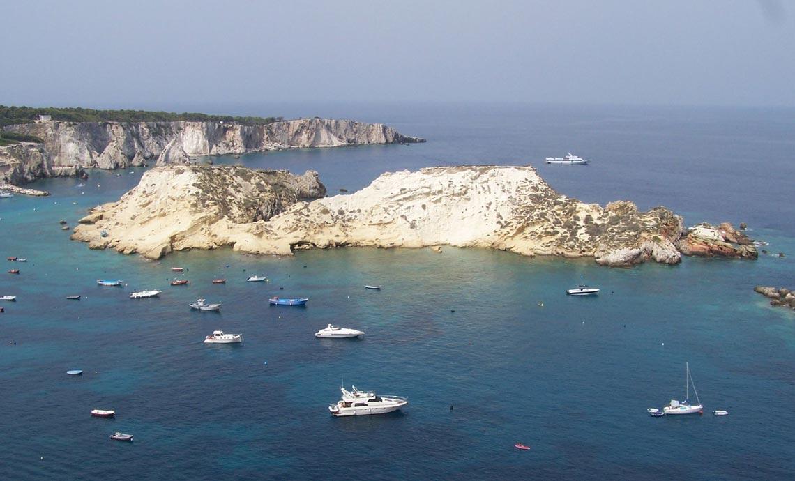 Villaggio turistico per vacanze sul mare a Vieste - Cala ...